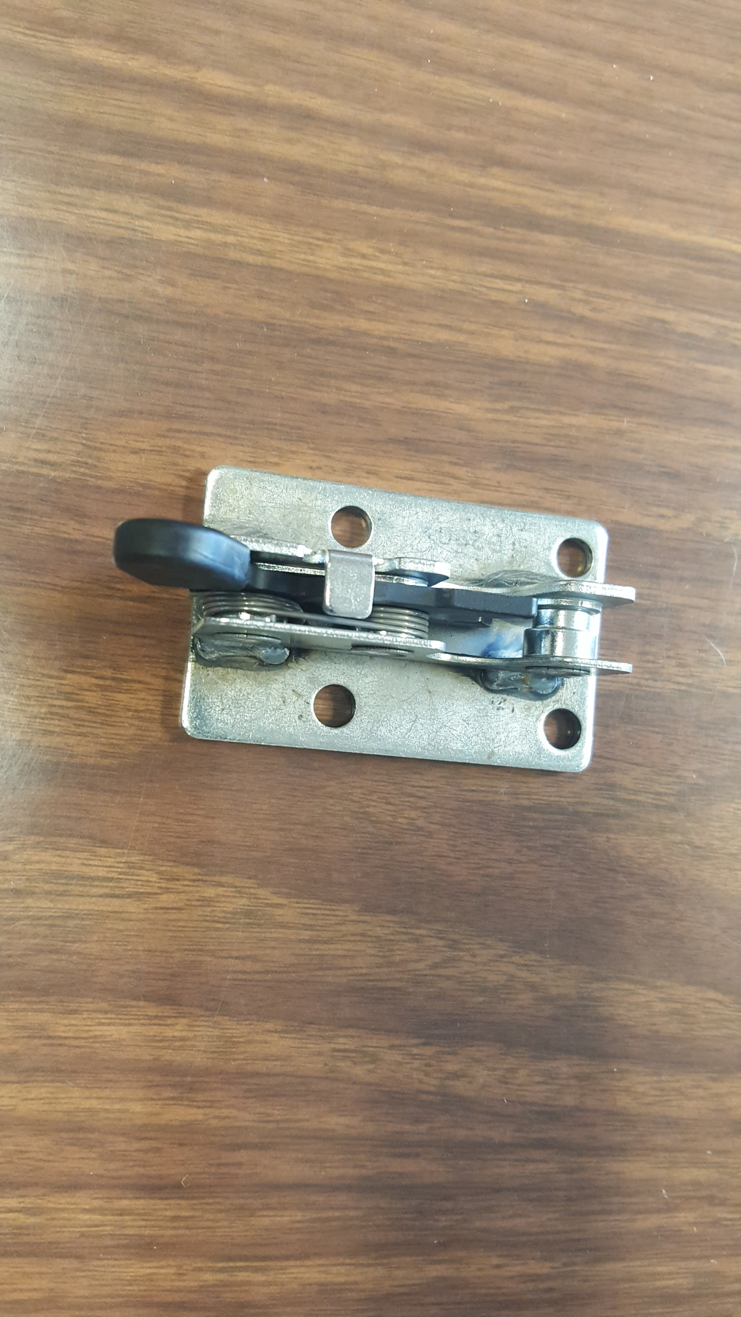 ROTARY STYLE LATCH…SURELOCK DOOR